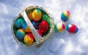 800x600_210688-easter-eggs-basket-snow-krashanki-p-1462